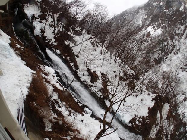 華厳の滝の脇の滝