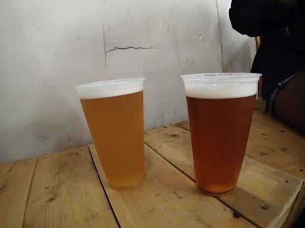 ことちゃんビール。エール(左)とラガー(右)