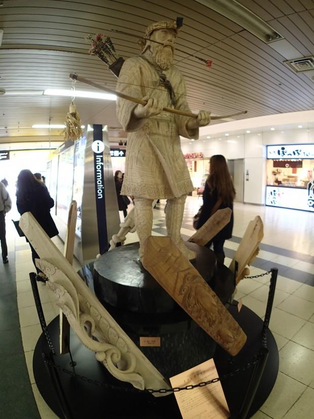 札幌駅の謎の像